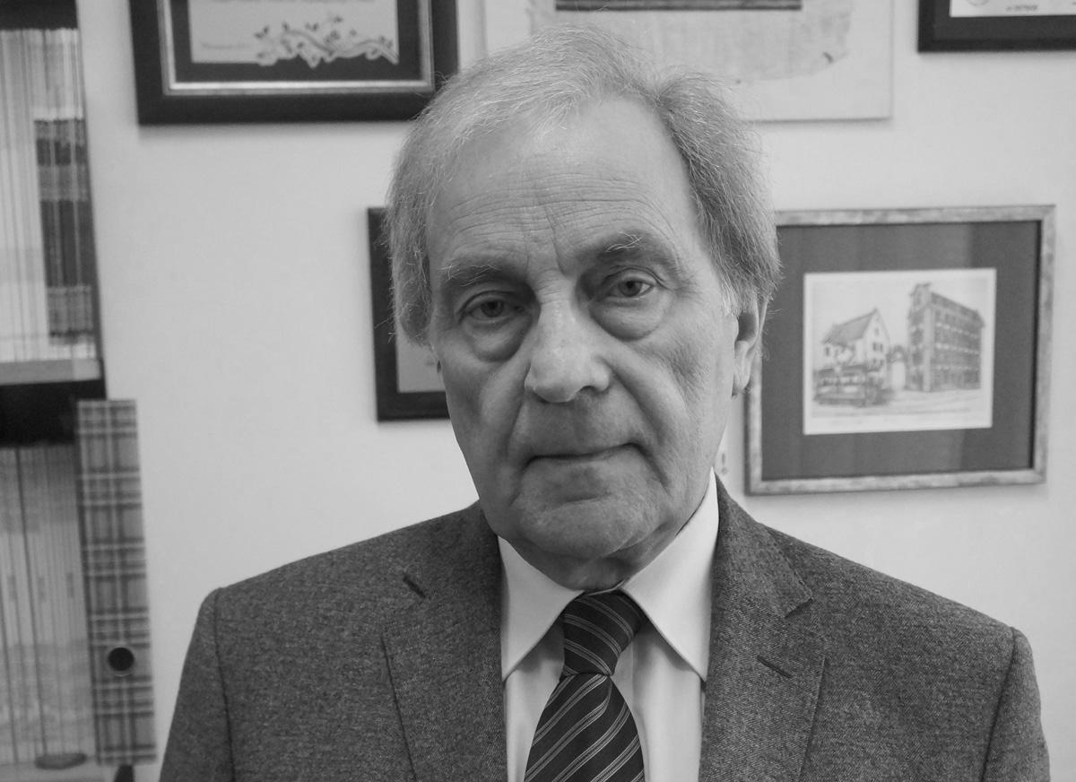 prof.Bartnik- black